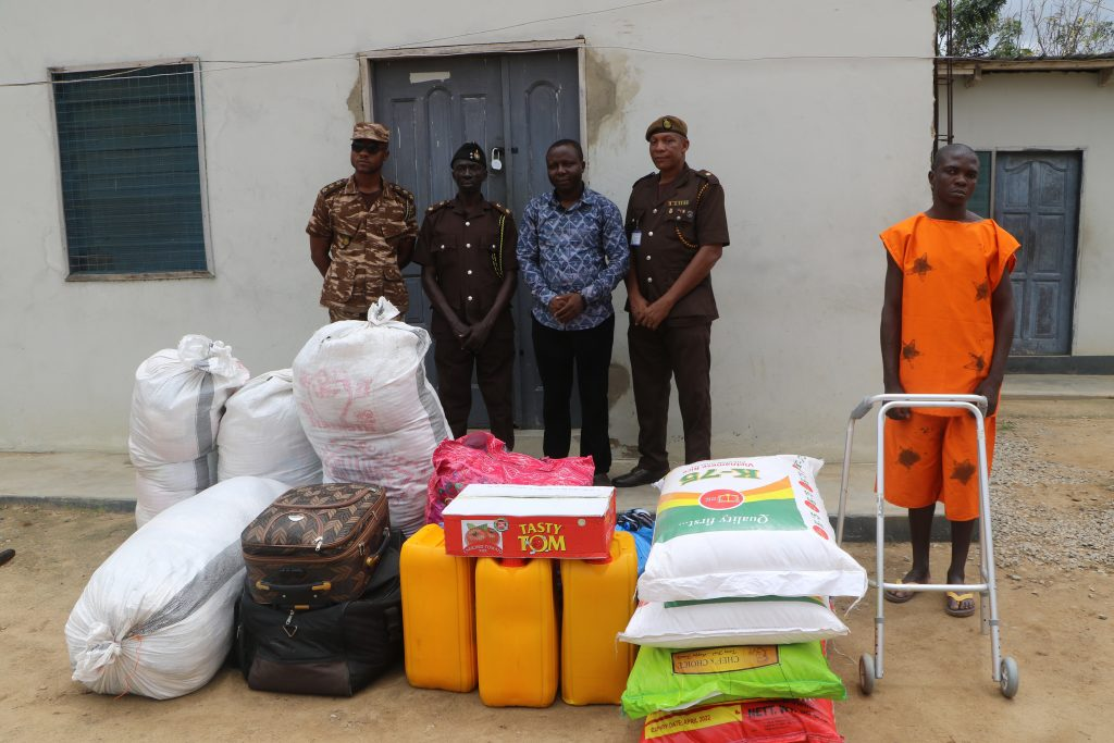 Crime Check Foundation, CCF through its donors have presented items worth four thousand Ghana cedis to the Awutu Camp Prison